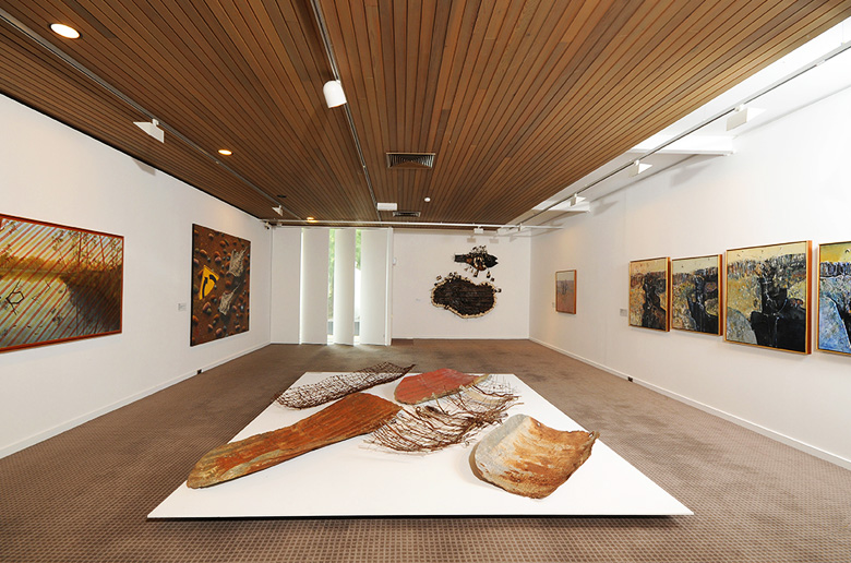 The top 5 indigenous art galleries in alice springs australia the top 5 indigenous art galleries in alice springs solutioingenieria Choice Image