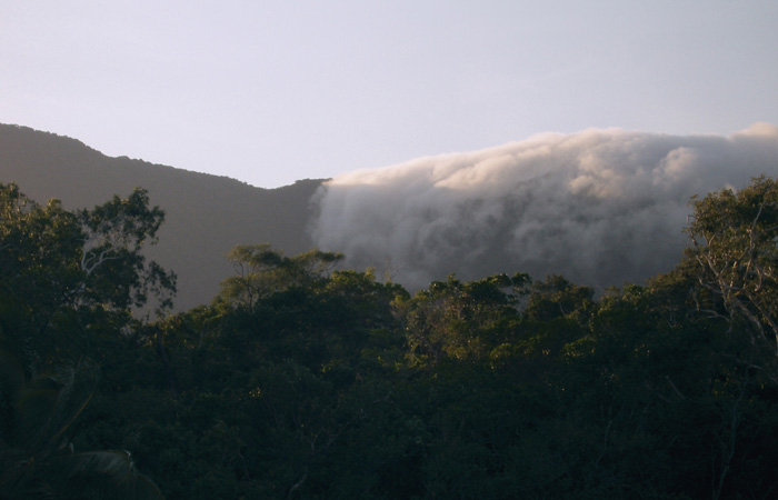 Cairns,-clouds-rolling-over-the-Daintree-Rainforest - Klaus Stiefel, Flickr