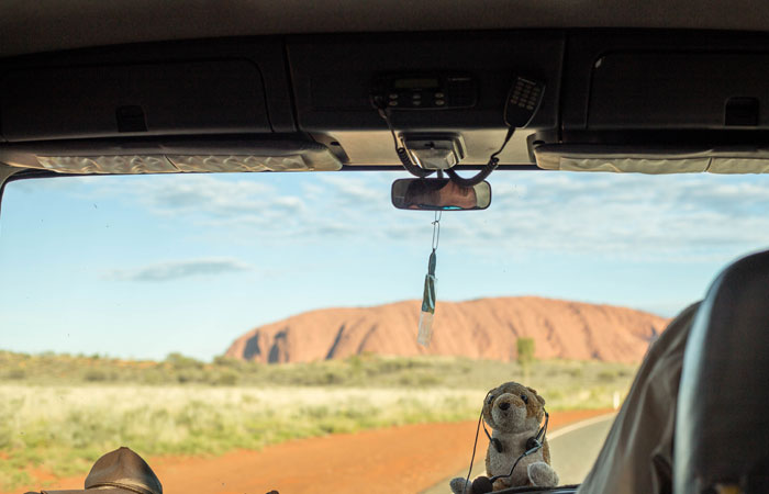 Driving-to-Uluru,-Red-Centre---Lucy-Piper