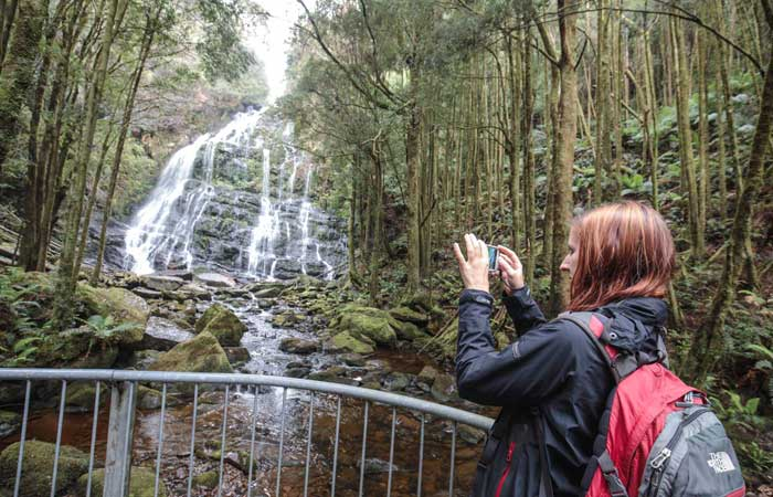 Tasmania-group-tour-waterfall-photo---Adventure-Tours