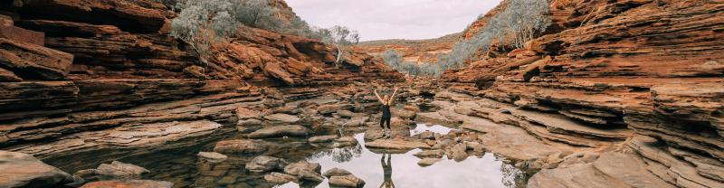 Traveller in Karijini National Park, Western Australia